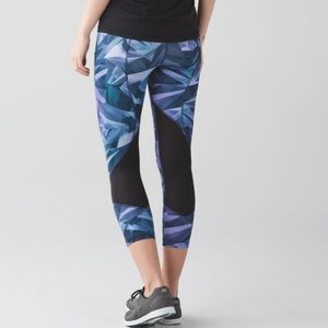 Lululemon Pace Rival Crop *Full-On Luxtreme